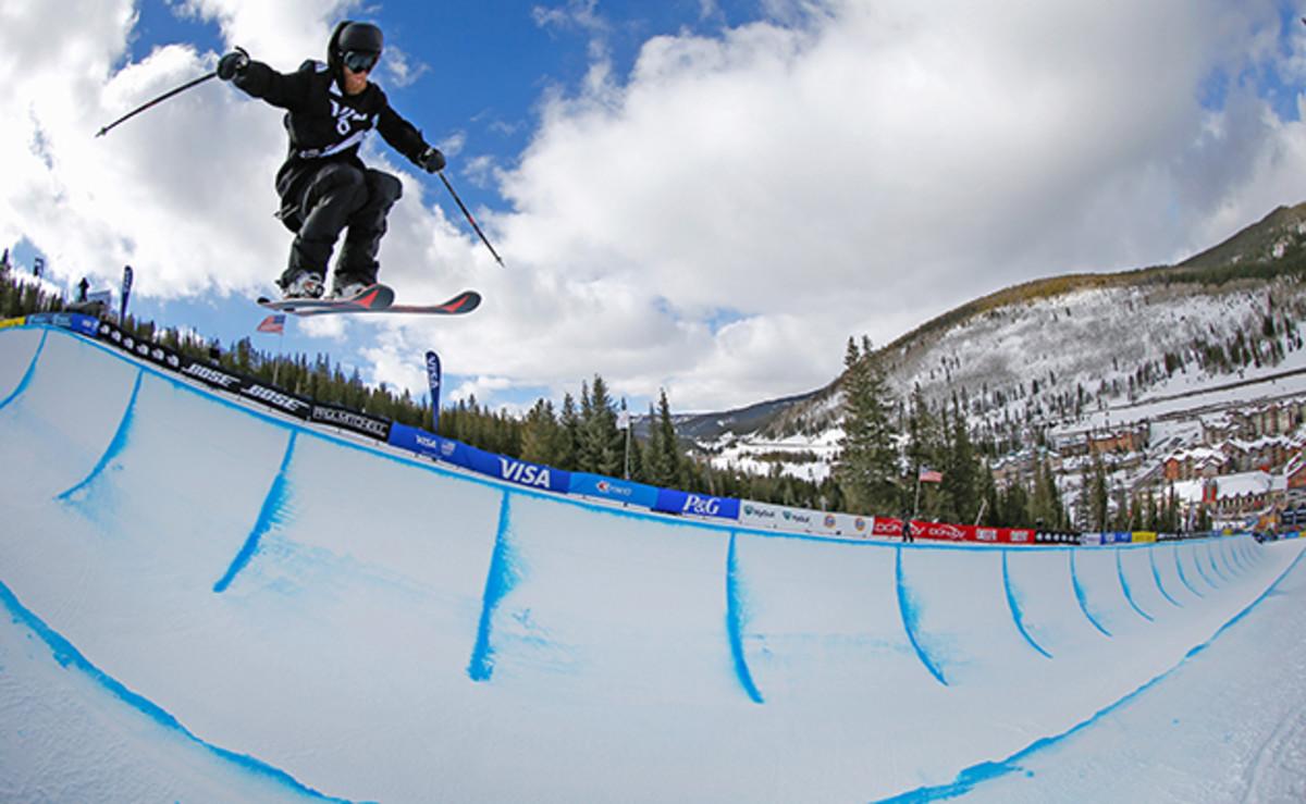wells-family-skiing-630-3.jpg