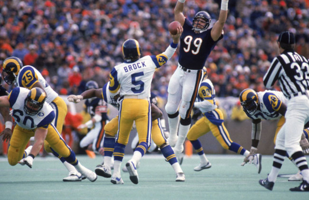 Hampton goes high to harass Dieter Brock (?!) in the NFC title game. Chicago shut out the Giants and Rams in the playoffs.