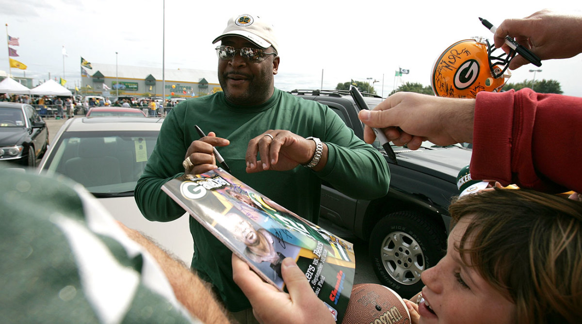 Keith Jackson felt the fans' love on a return visit to Lambeau in 2006.