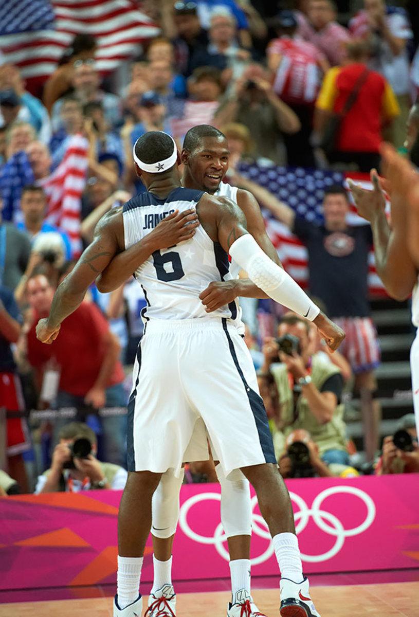 2012-0812-Kevin-Durant-LeBron-James-op3q-35351.jpg