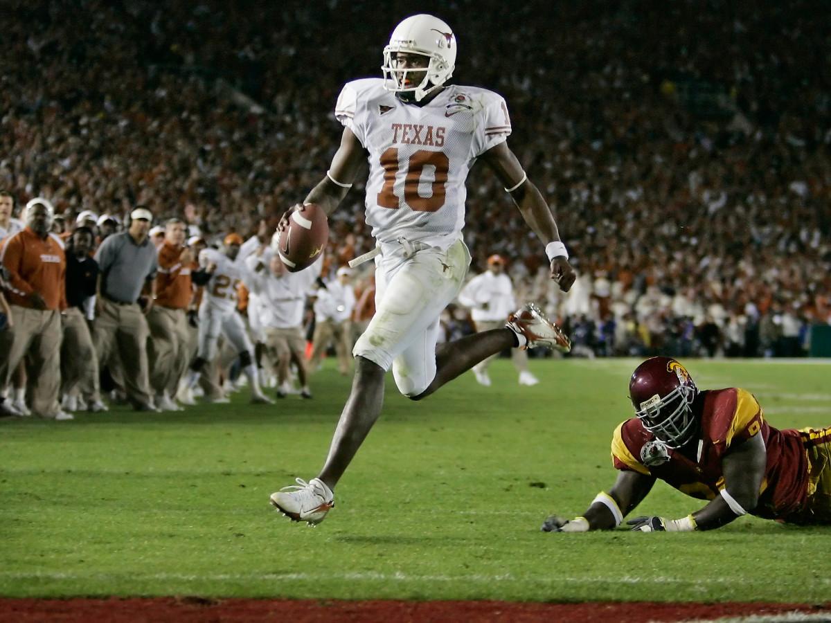 vince-young-texas-football-national-championship-touchdown.jpg