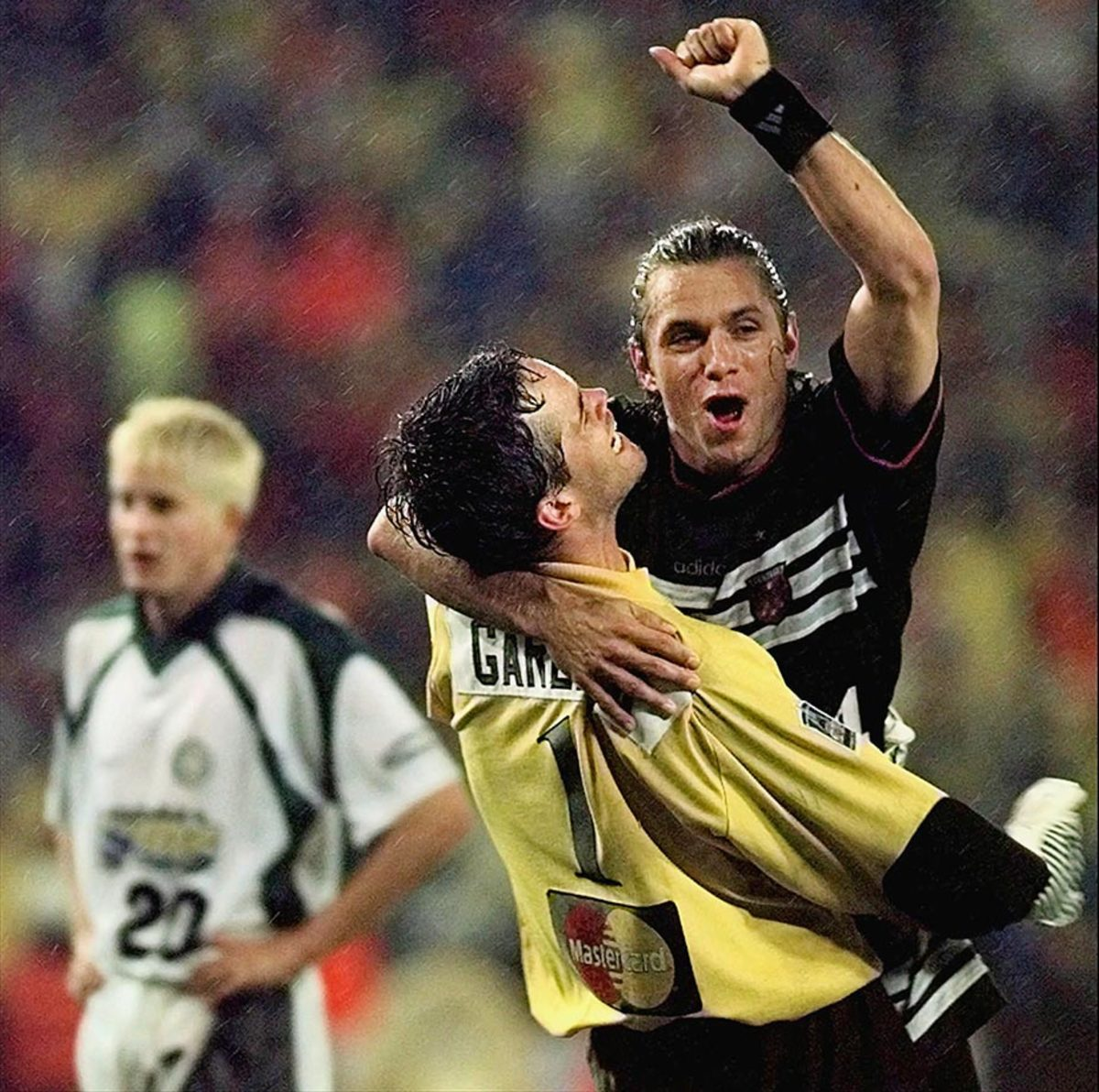1997-MLS-Cup-DC-United-David-Vaudreuil-Scott-Garlick.jpg