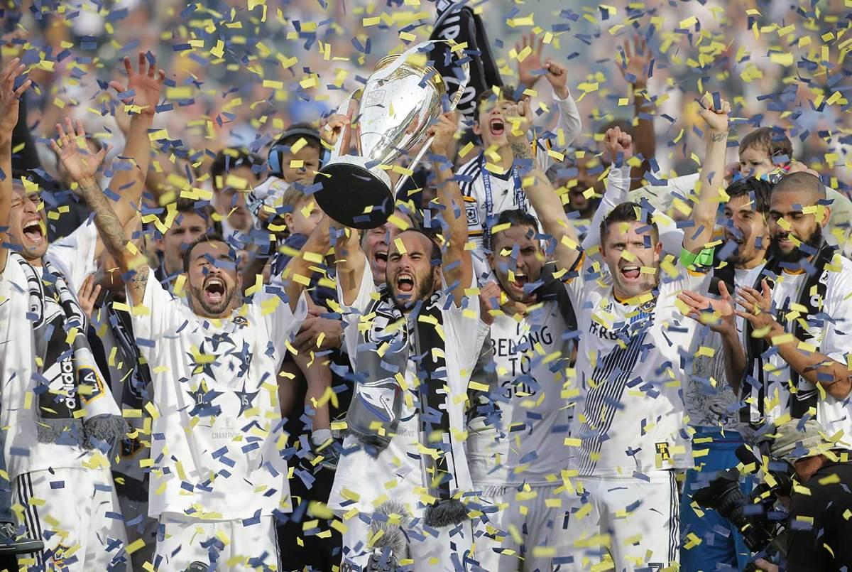 2014-MLS-LA-Galaxy-Cup-Landon-Donovan.jpg