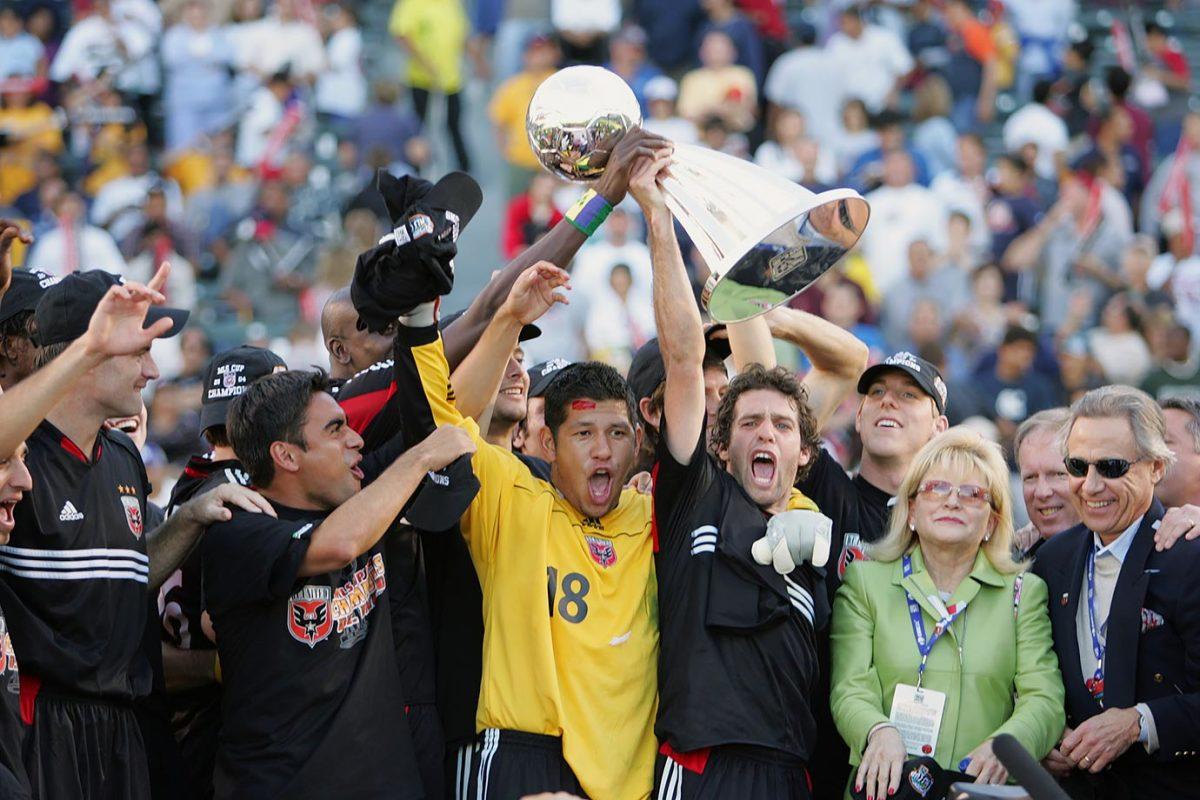 2004-MLS-Cup-DC-United-Nick-Rimando-001313608.jpg