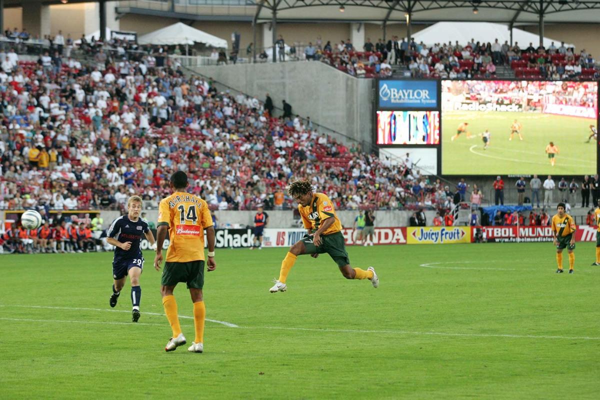 2005-MLS-Cup-LA-Galaxy-Guillermo-Pando-Ramirez.jpg