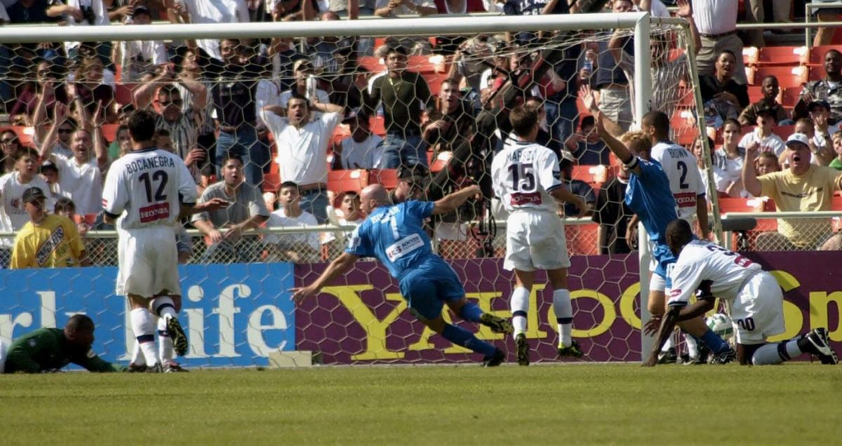 2000-MLS-Cup-Kansas-City-Wizards-Miklos-Molnar.jpg