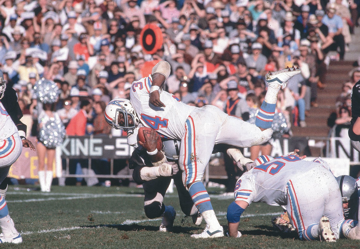 Earl Campbell, Oilers vs. Raiders, 1980 Wild-Card Playoffs.
