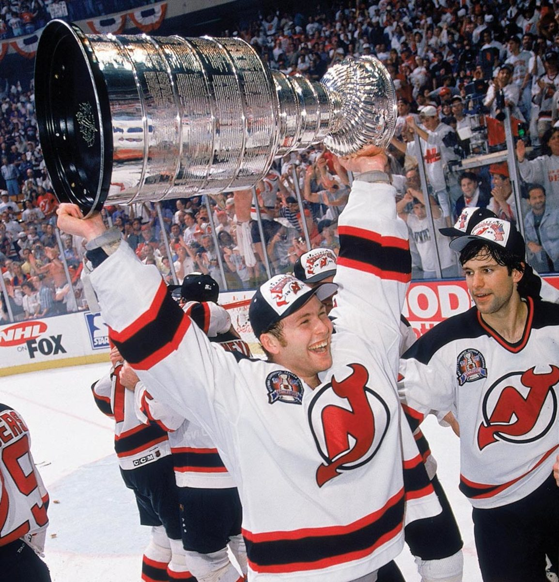 1995-Martin-Brodeur-Stanley-Cup-005699714.jpg