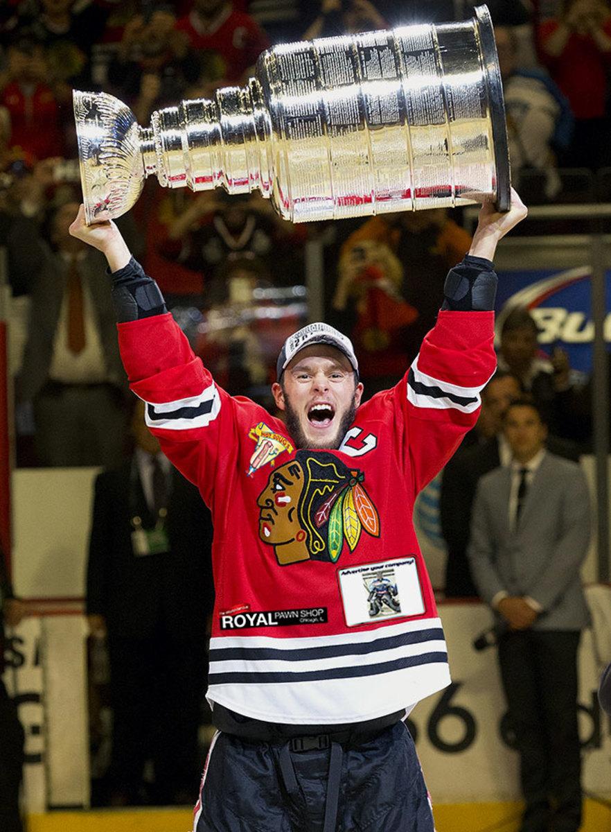 Chicago-Blackhawks-jersey-ads-Jonathan-Toews.jpg