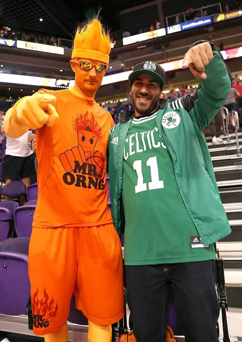 SI-Mr_ORNG-Celtics_Fan-ZYP_9013.jpg