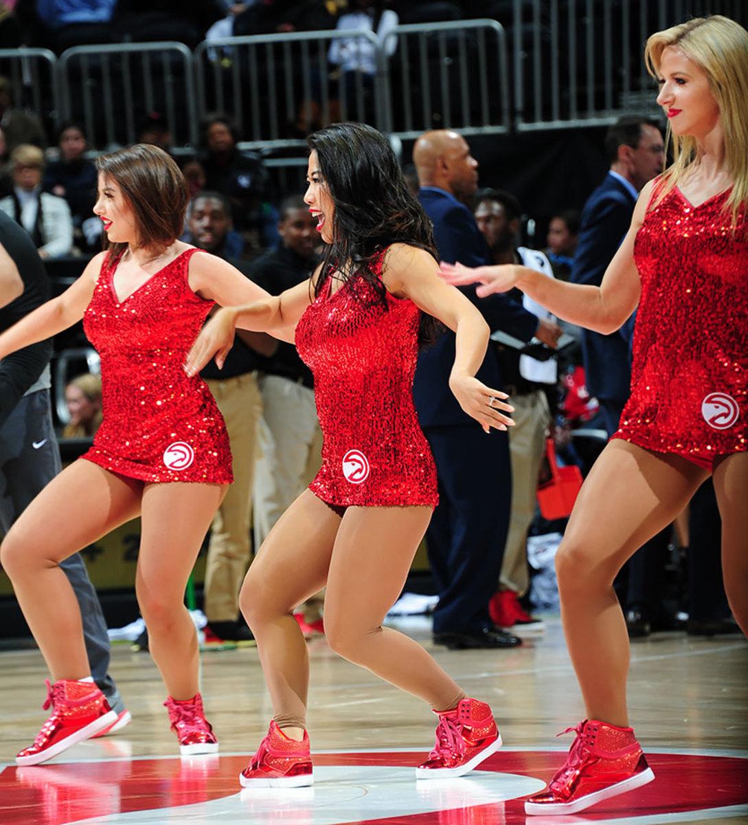 Atlanta-Hawks-Cheerleaders-509121732.jpg