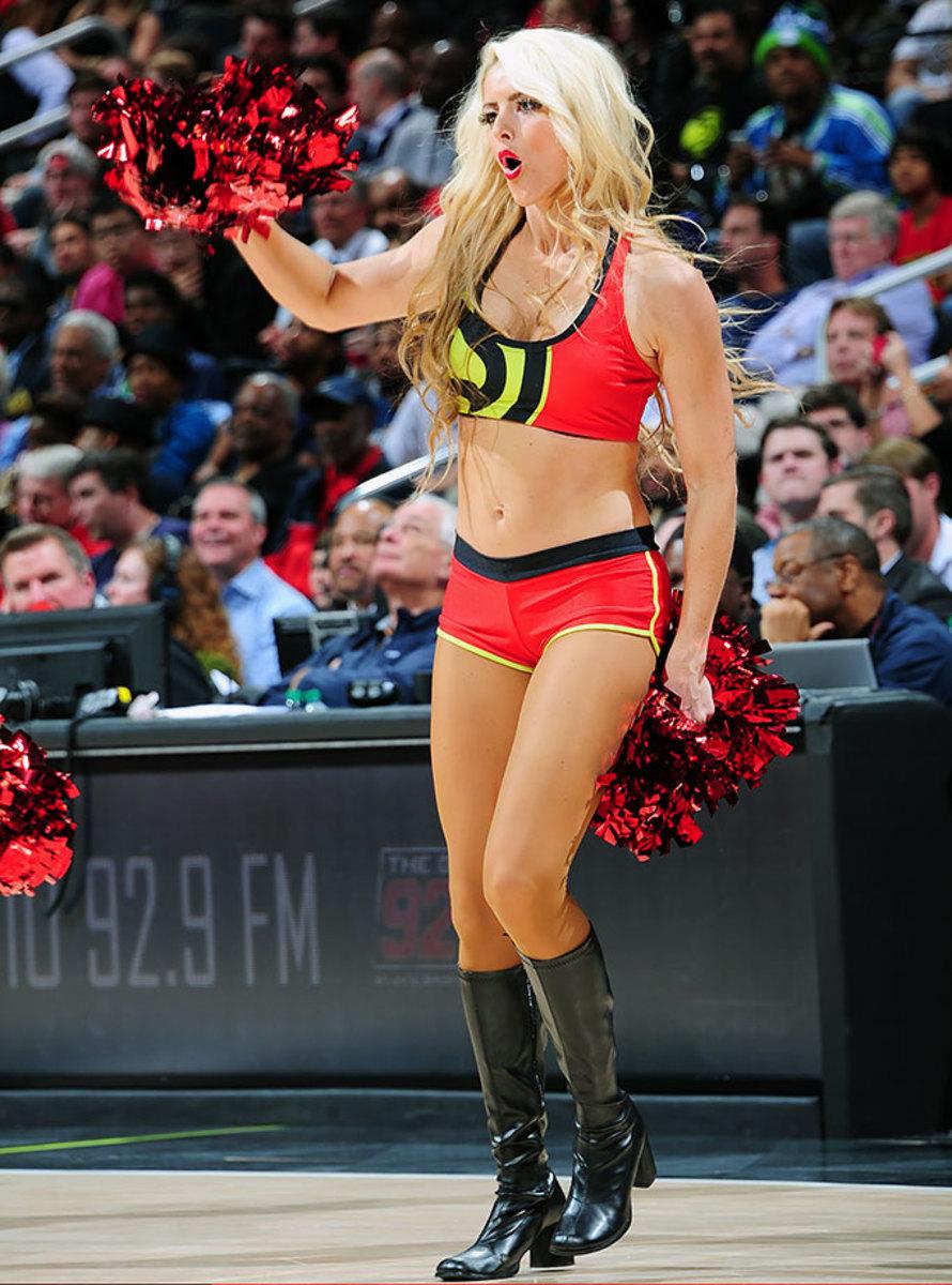 Atlanta-Hawks-Cheerleaders-496749092.jpg
