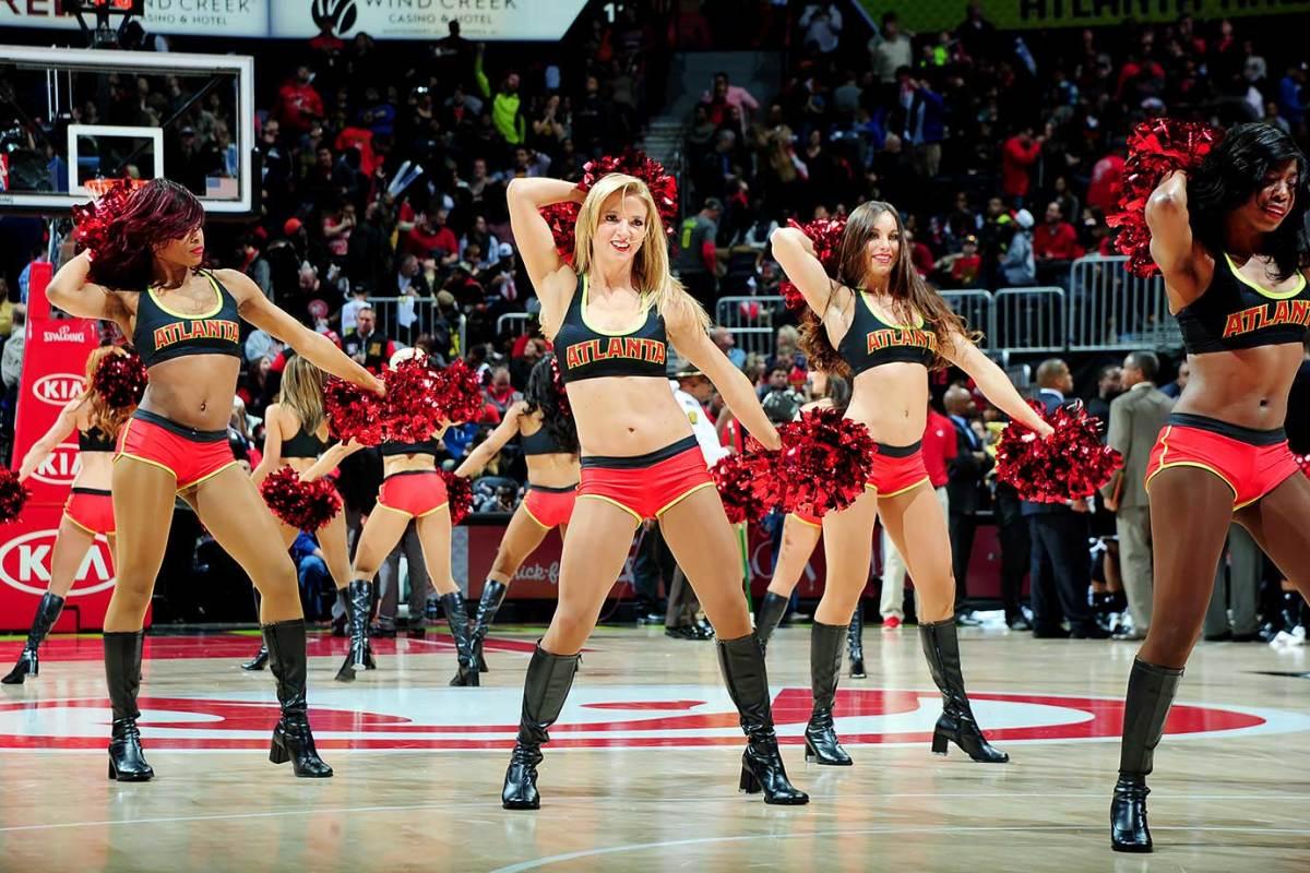 Atlanta-Hawks-Cheerleaders-505309746.jpg