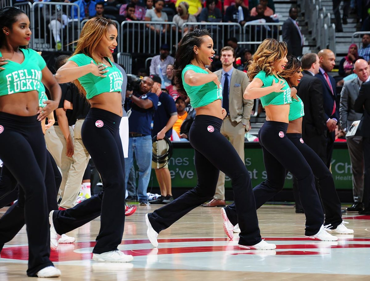 Atlanta-Hawks-Cheerleaders-516233594.jpg
