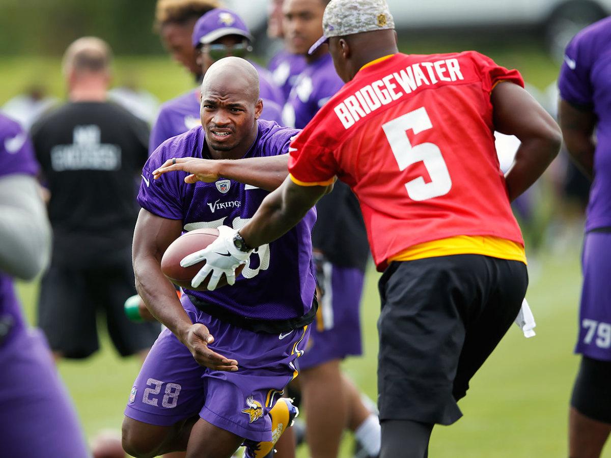 2016-0729-Minnesota-Vikings-training-camp-Adrian-Peterson-Teddy-Bridgewater.jpg
