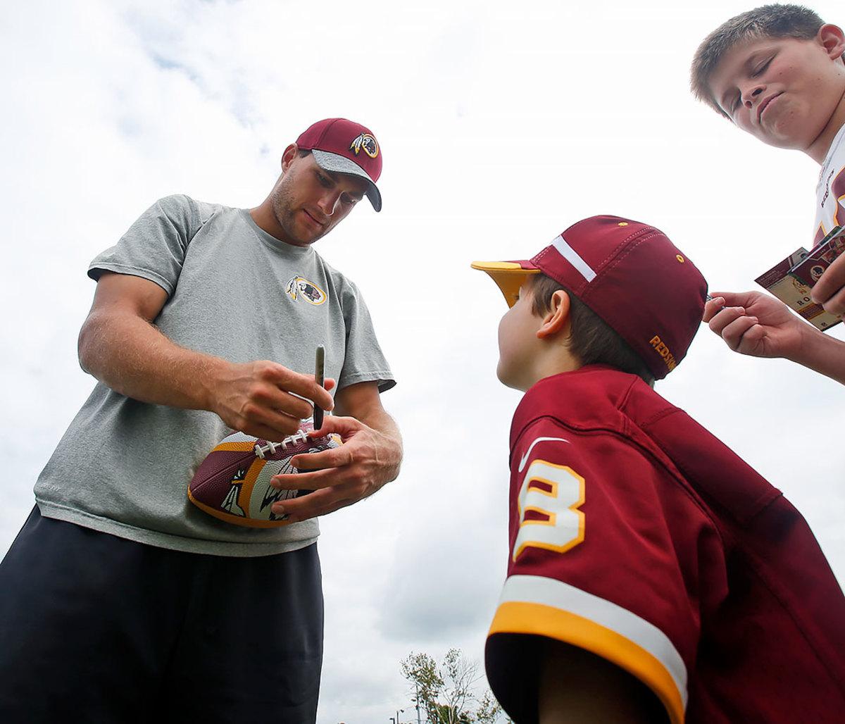 2016-0729-Washington-Redskins-training-camp-Kirk-Cousins-fans.jpg