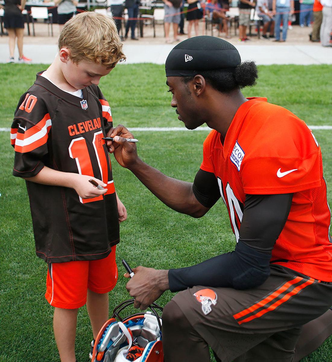 2016-0729-Cleveland-Browns-training-camp-Robert-Griffin-III.jpg