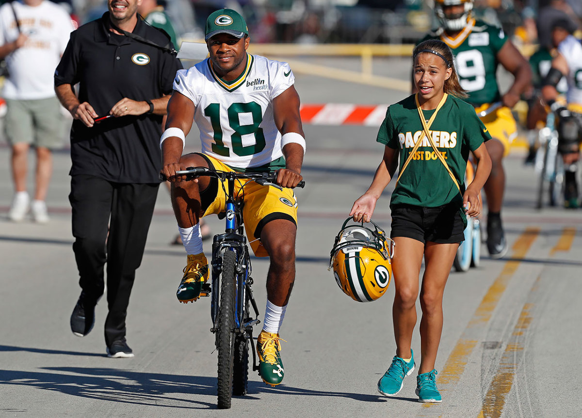 2016-0726-Green-Bay-Packers-training-camp-Randall-Cobb.jpg