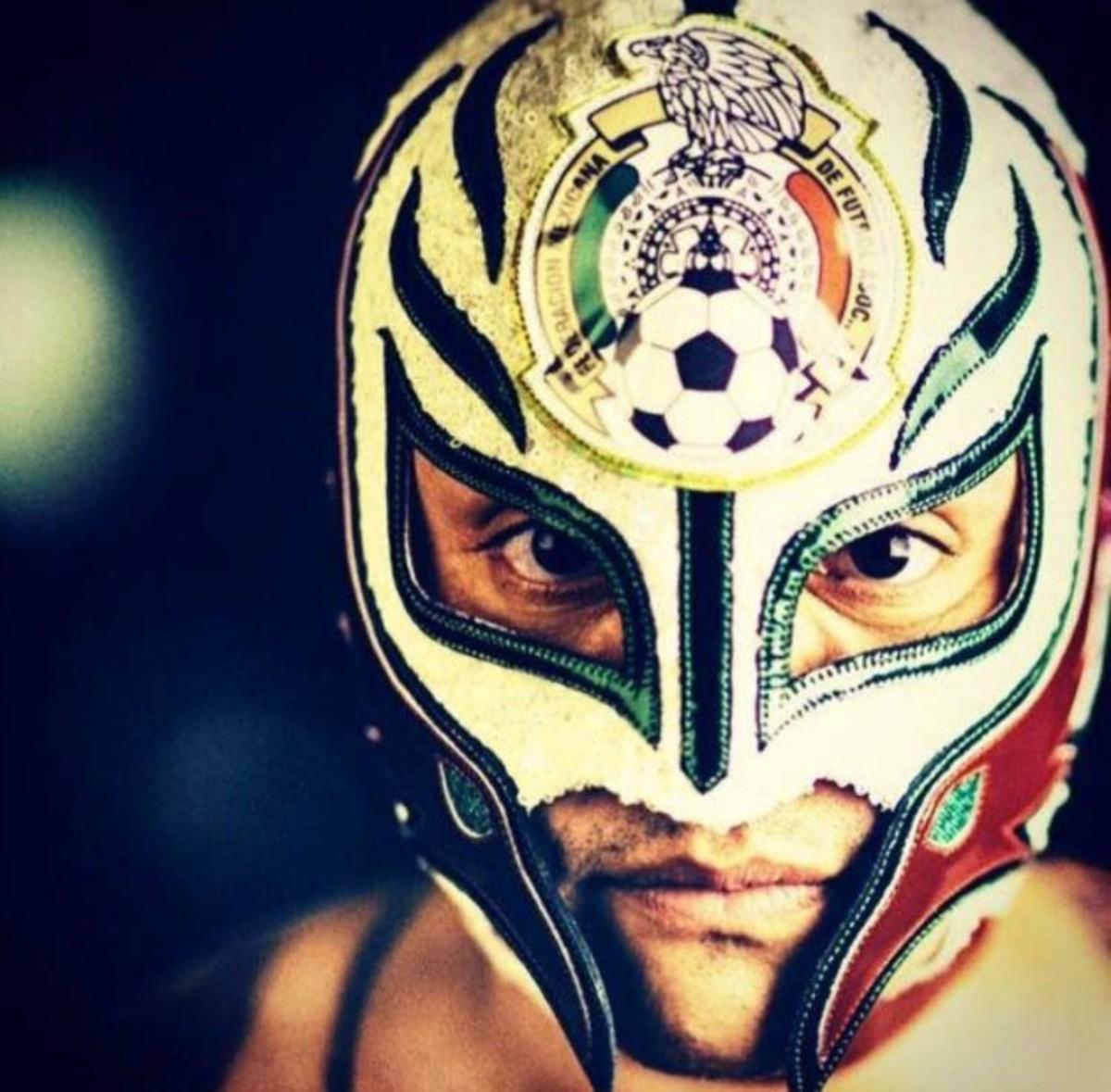 Courtesy-Rey-Mysterio.jpg
