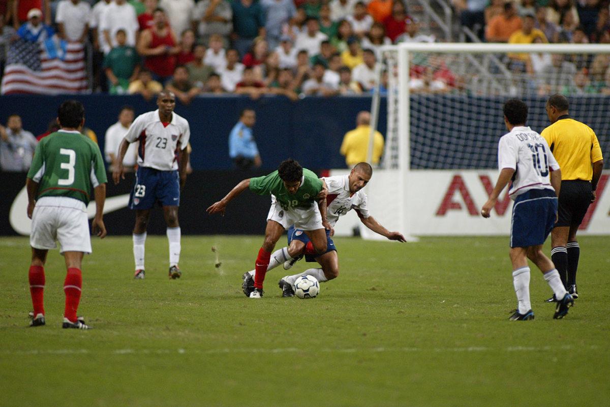 2003-0508-USA-Mexico-soccer-B23E3216.jpg