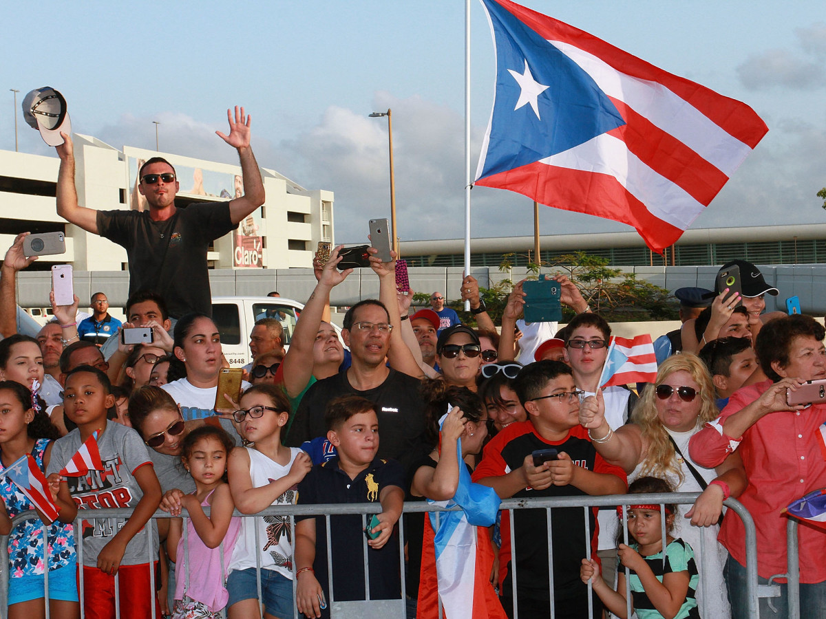 monica-puig-PR-crowd.jpg