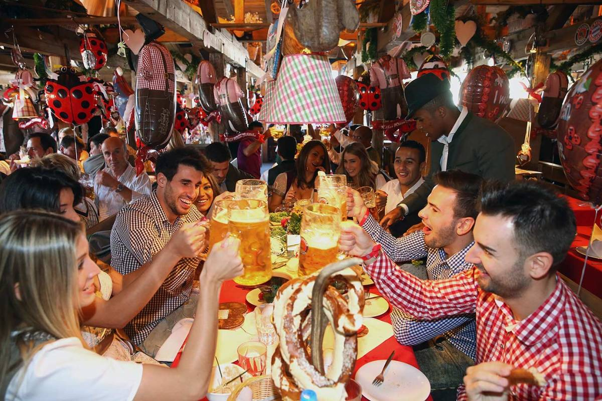 Bayern-Munich-Oktoberfest-490650062.jpg