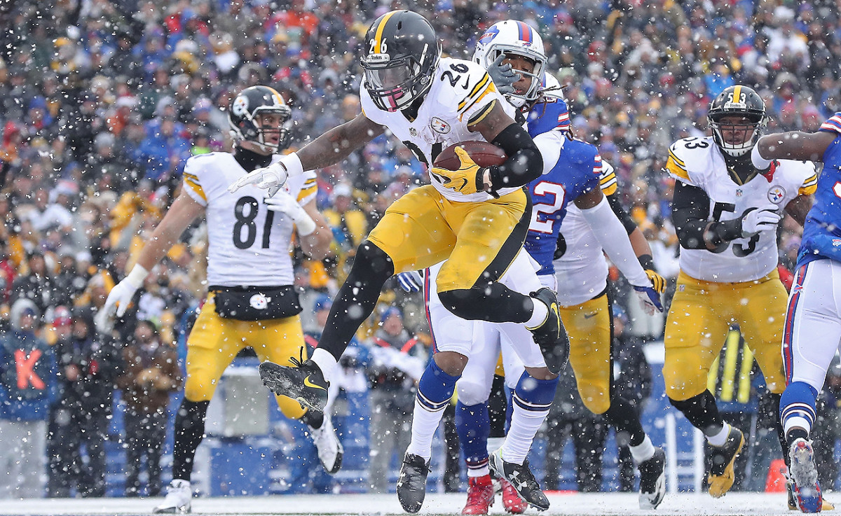 Le'Veon Bell took advantage of snow globe conditions in Buffalo, piling up nearly 300 total yards.