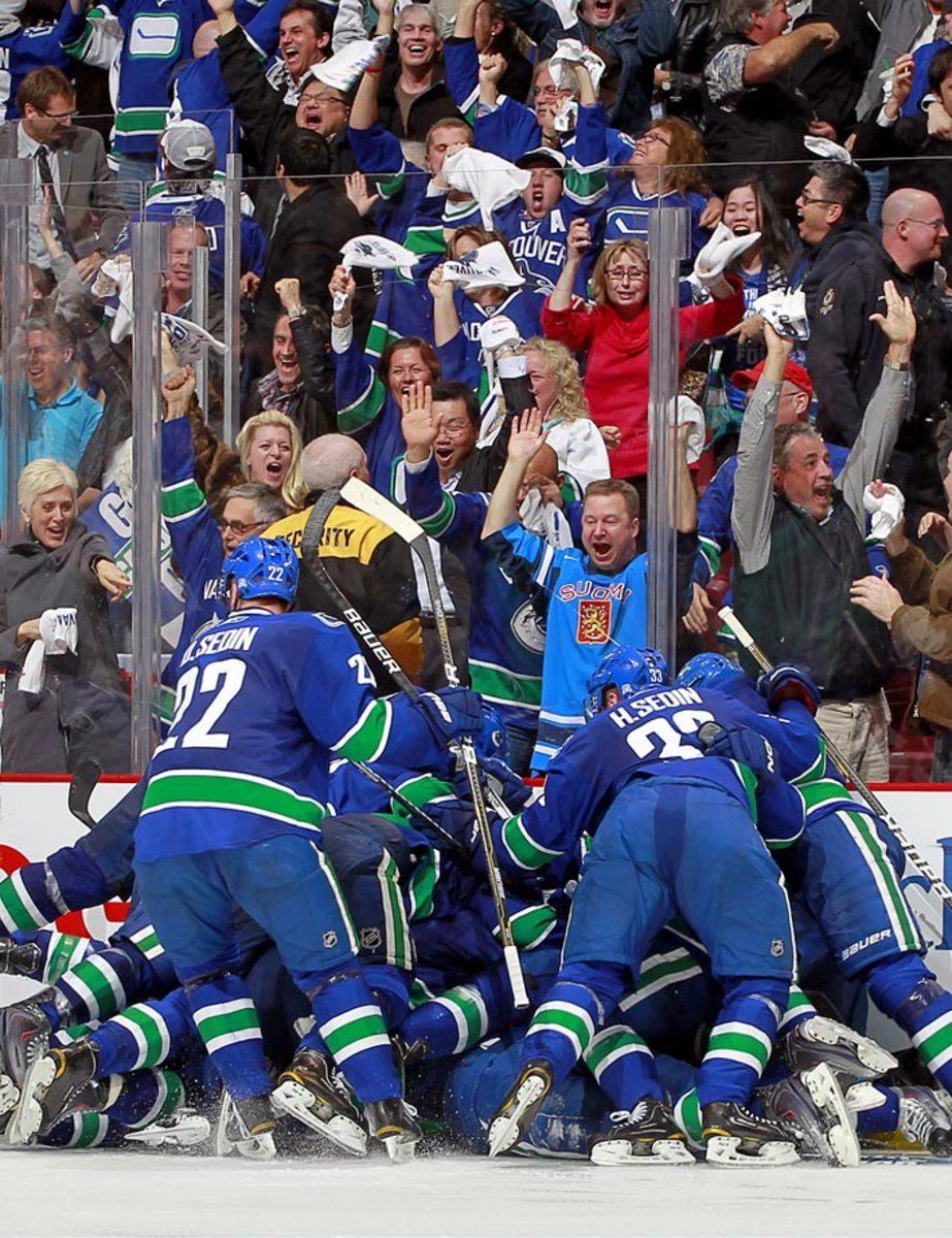 2011-Canucks-Blackhawks-Game-7.jpg