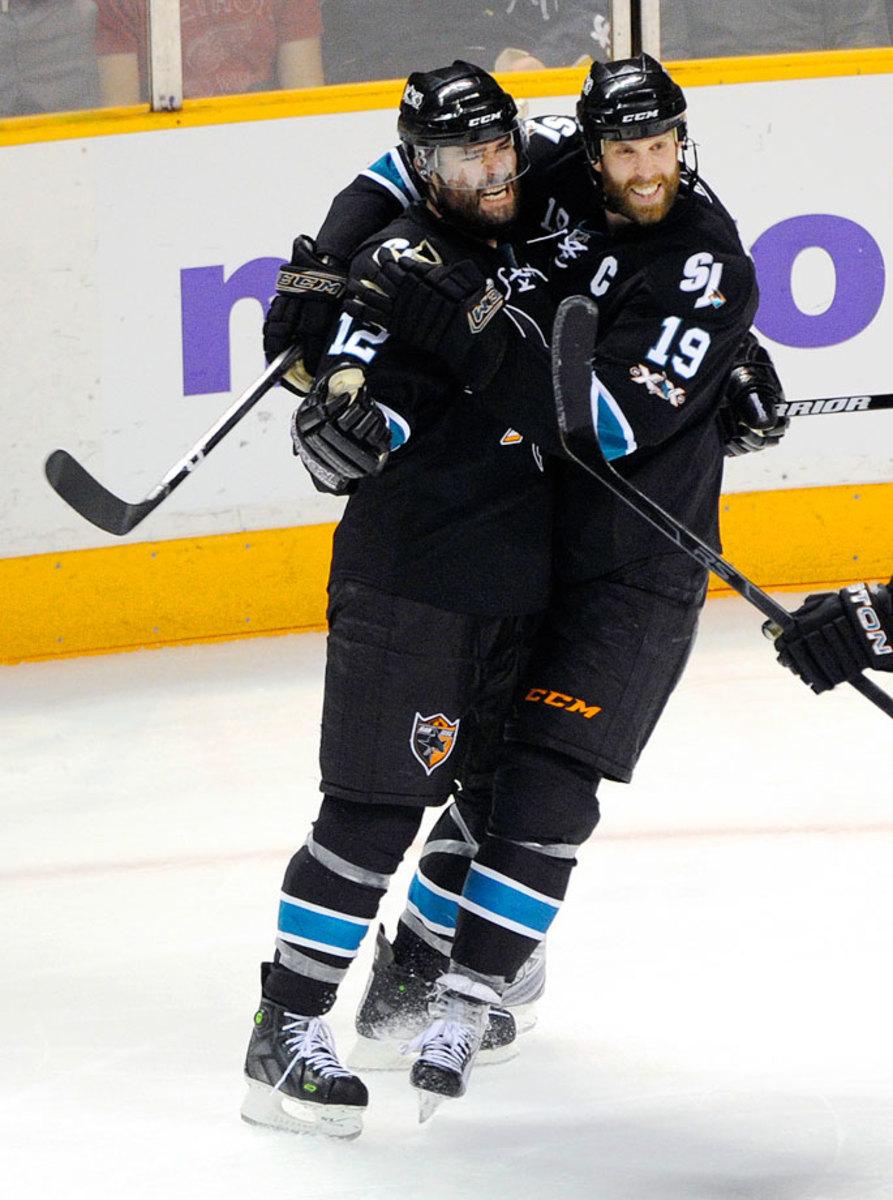 2011-Sharks-Red-Wings-Game-7-Patrick-Marleau-Joe-Thronton.jpg