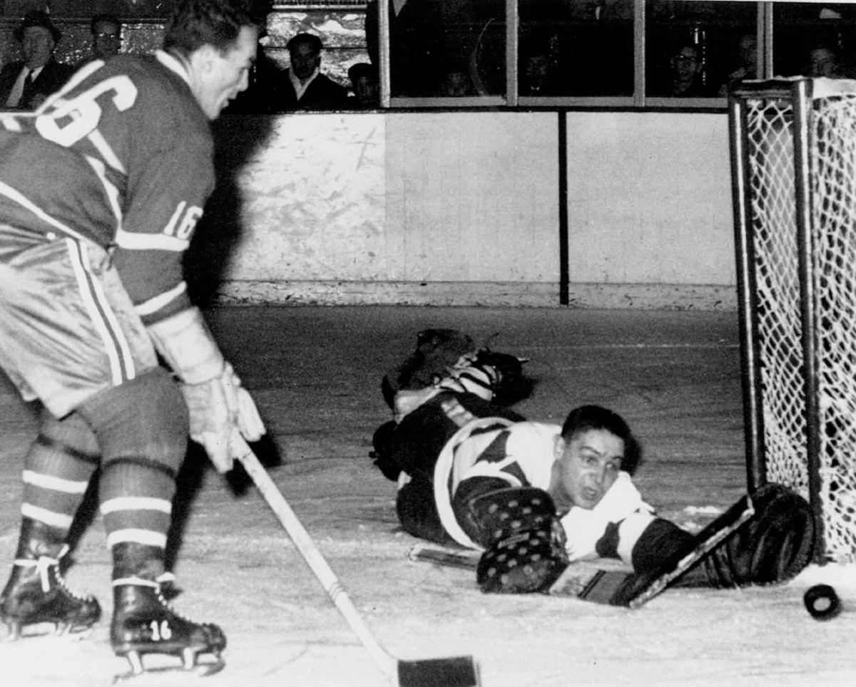 1954-Red-Wings-Canadiens-Terry-Sawchuk.jpg