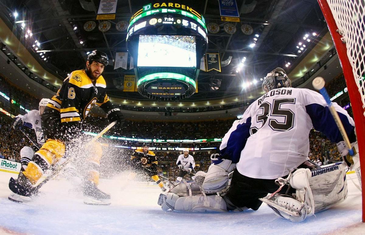 2011-Bruins-Lightning-Game-7-Nathan-Horton.jpg