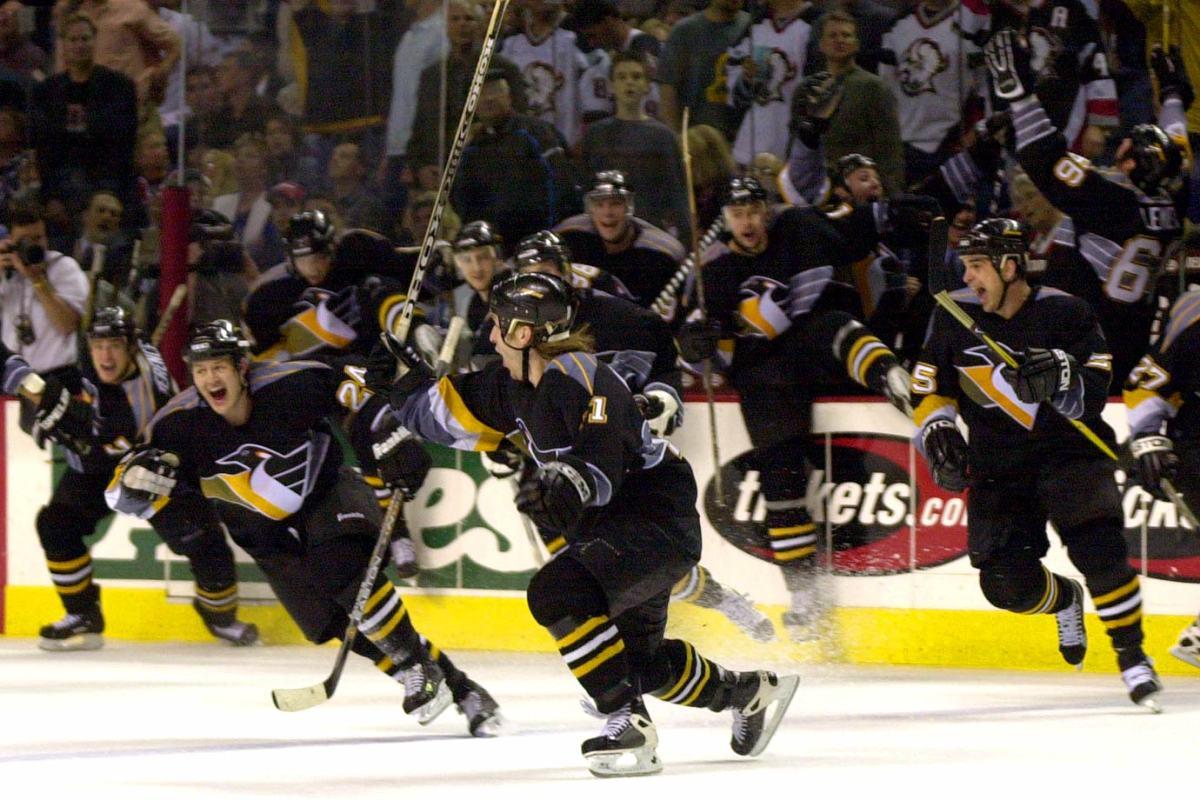 2001-Penguins-Sabres-Game-7-Darius-Kasparaitis.jpg