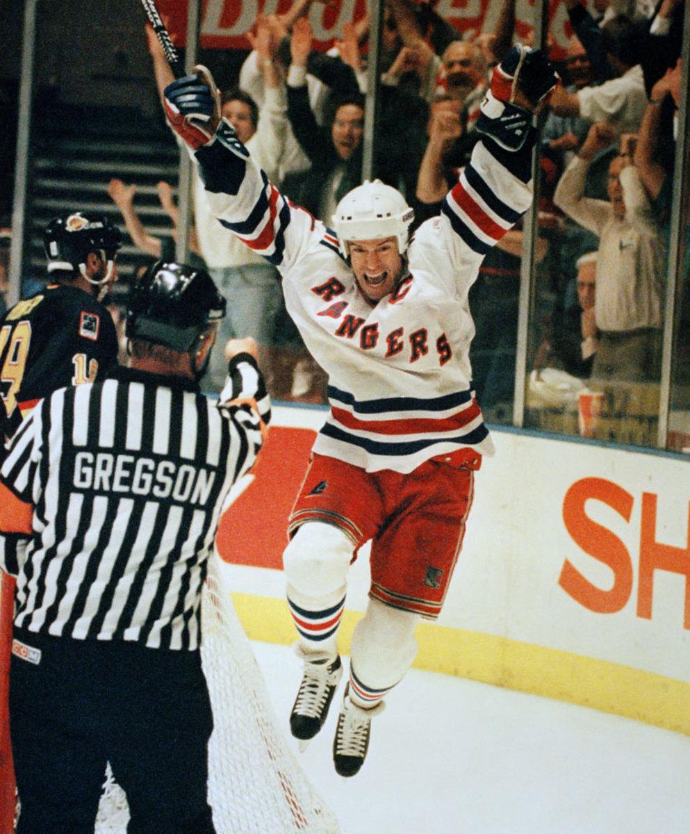 1994-Rangers-Canucks-Game-7-Mark-Messier.jpg