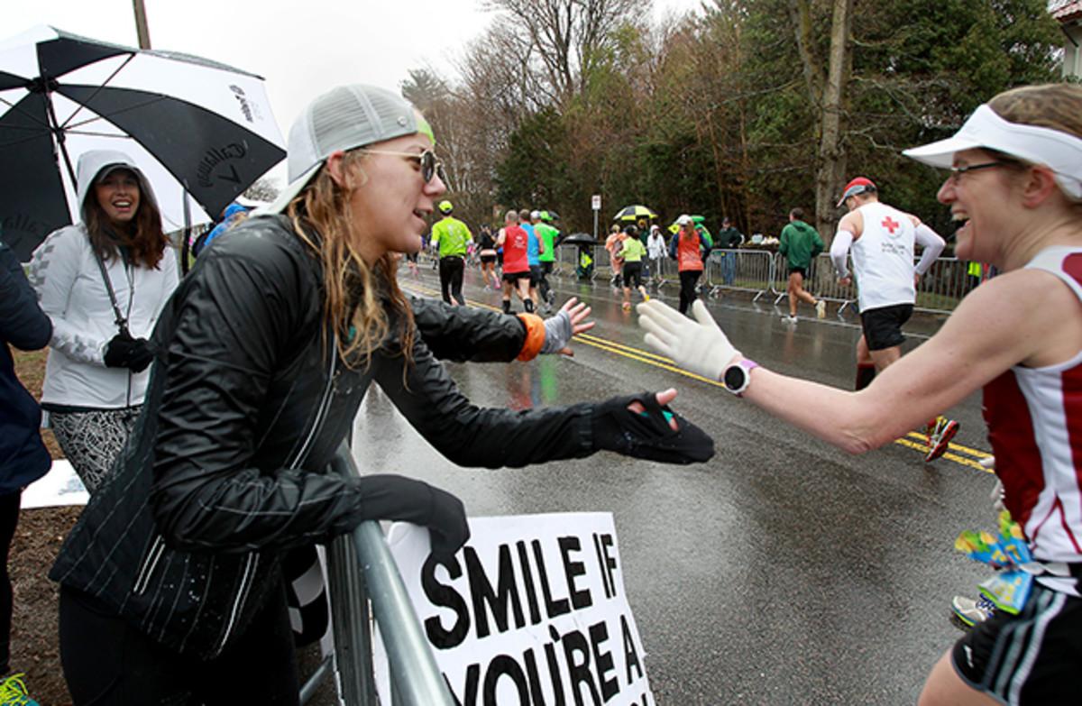boston-marathon-guide-cheer-inline.jpg