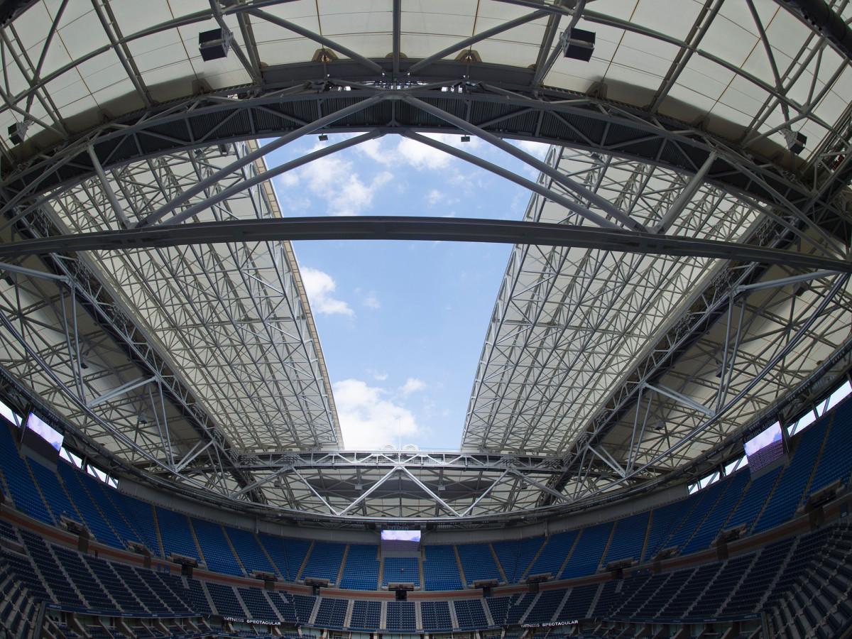 us-open-roof-closing.jpg