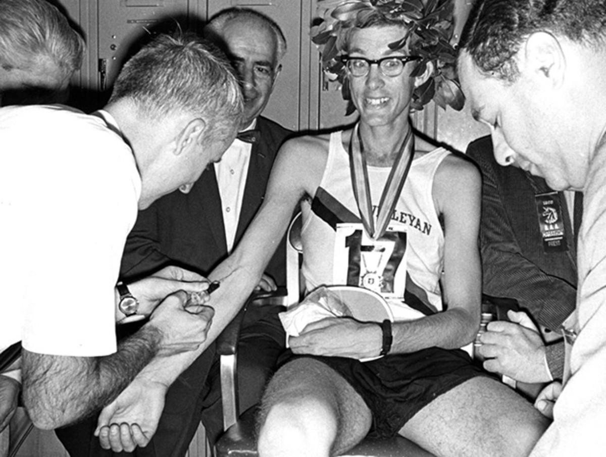 amby-burfoot-1968-olympics.jpg