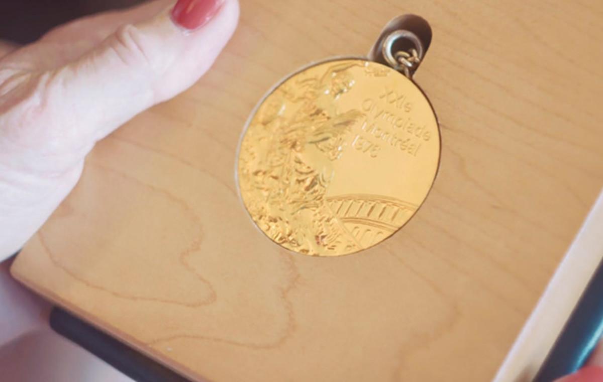bruce-jenner-gold-medal.jpg
