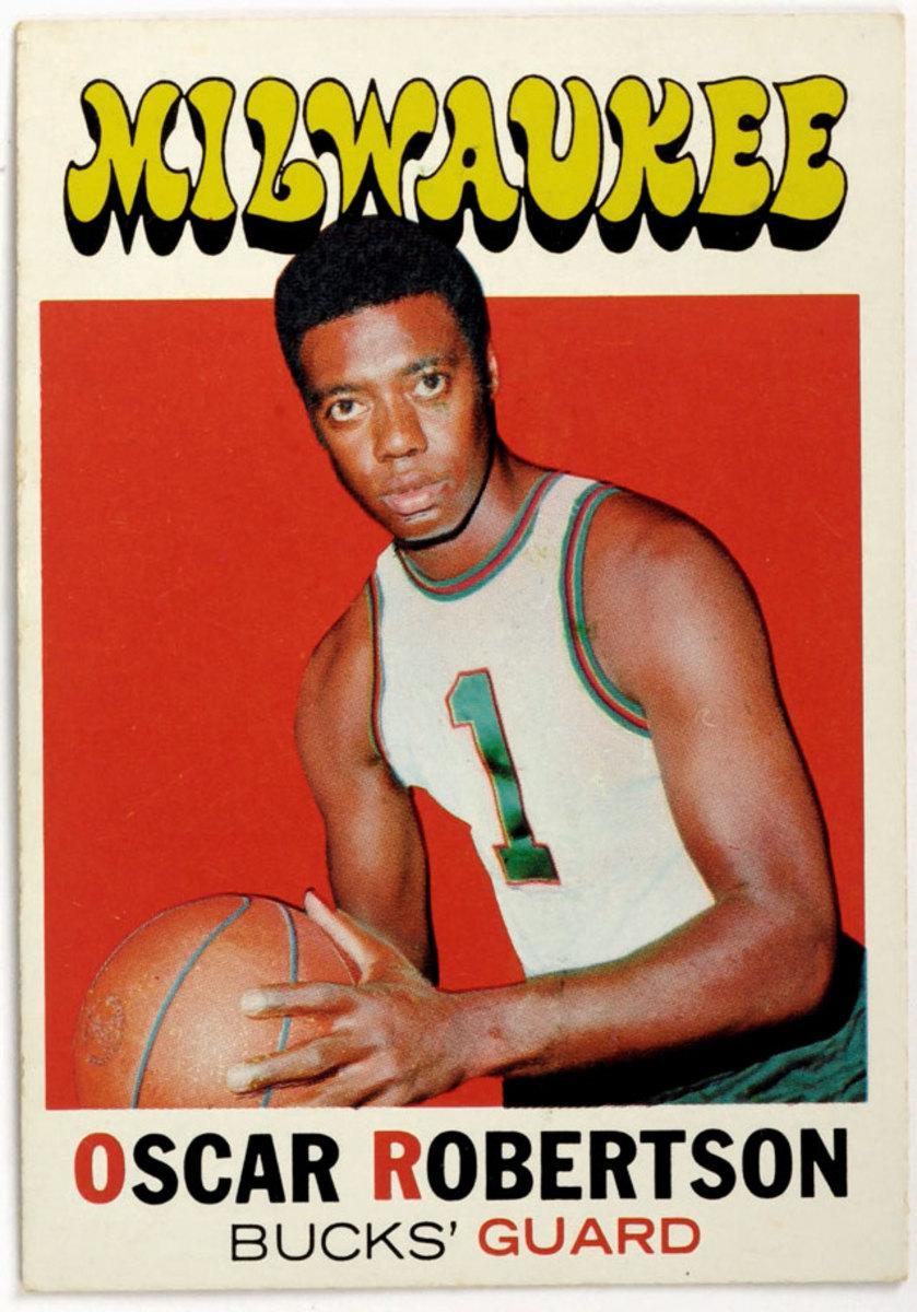 1971-Oscar-Robertson-trading-card-016927431.jpg