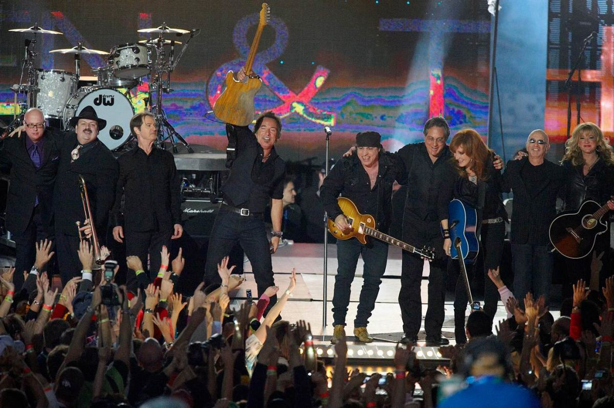 2009-Super-Bowl-XLIII-Bruce-Springsteen-E-Street-Band-opis-4478.jpg