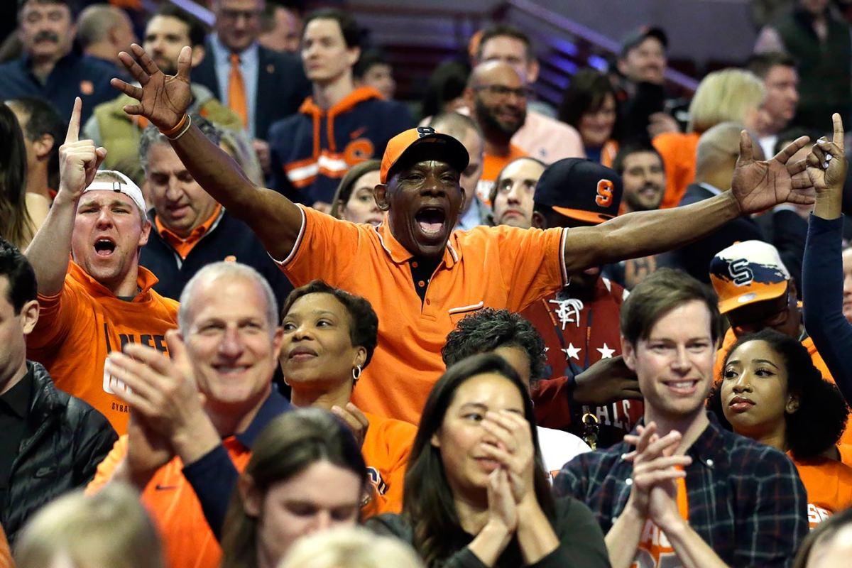 2016-0325-Syracuse-fans.jpg