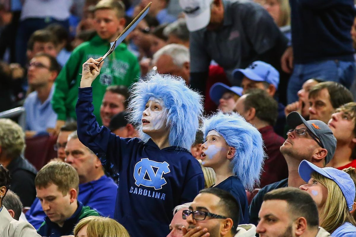 2016-0327-North-Carolina-fans.jpg