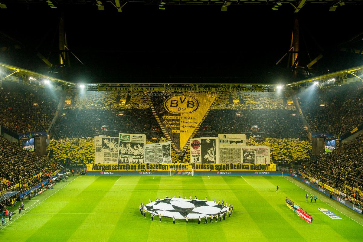 Dortmund-Tifo-Benfica.jpg