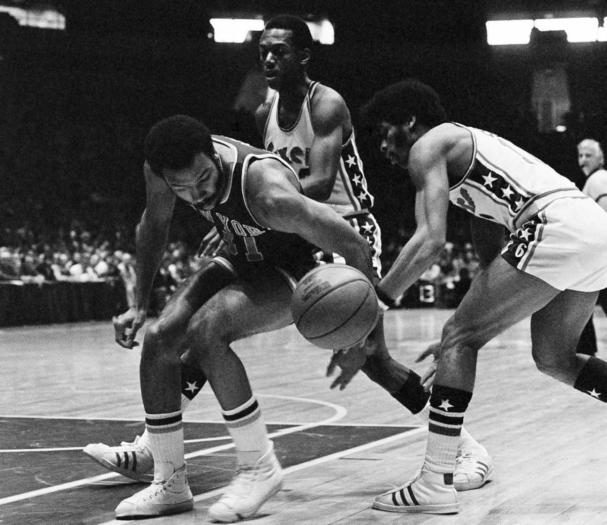 1971-nba-draft-pick-ken-durrett.jpg