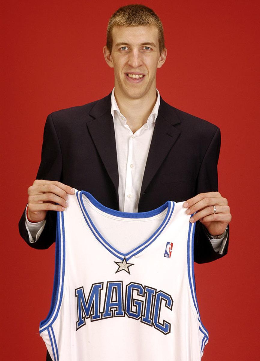 2005-nba-draft-pick-fran-vazquez.jpg