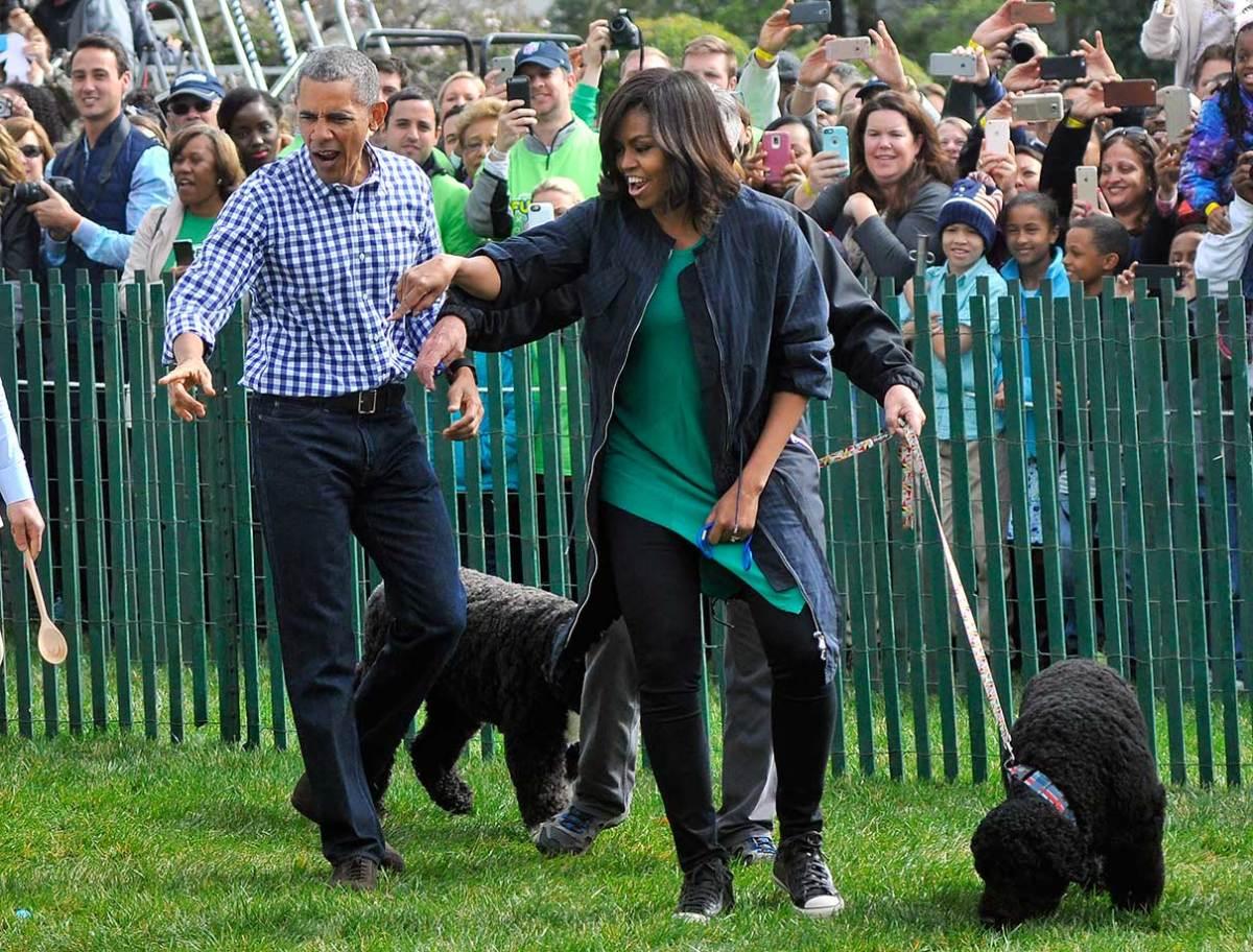 2016-White-House-Easter-Egg-Roll-President-Barack-Obama-Michel-Obama-dogs-Bo-Sunny-GettyImages-517886152.jpg