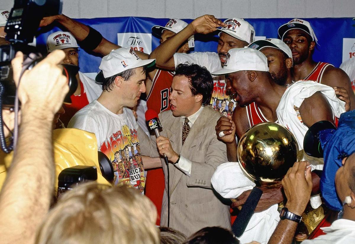1993-Chicago-Bulls-John-Paxson-Michael-Jordan-Bob-Costas_0.jpg
