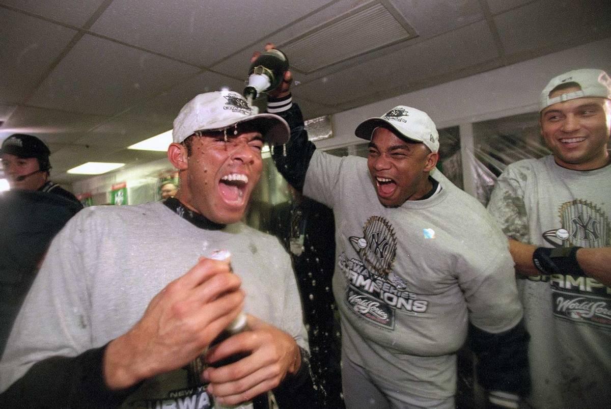2000-Mariano-Rivera-New-York-Yankees-Orlando-Hernandez-Derek-Jeter-001066800.jpg