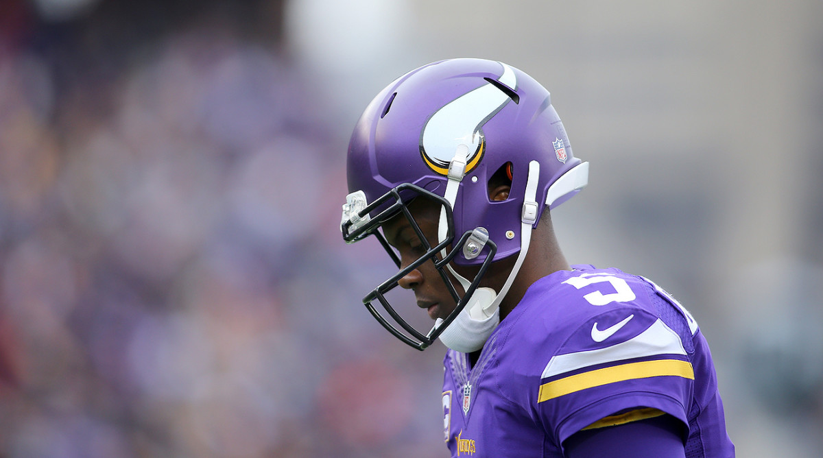 Teddy Bridgewater's 2016 season ended before it began after the quarterback suffered a noncontact injury to his knee during practice on Tuesday.