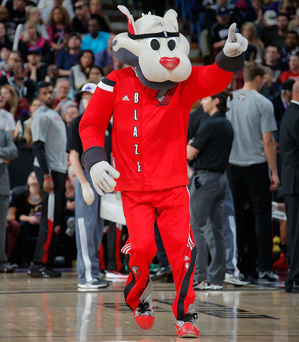 Portland-Trail-Blazers-mascot-Blaze-the-Trail-Cat.jpg
