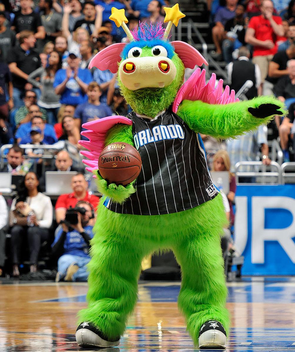 Orlando-Magic-mascot-Stuff-the-Magic-Dragon.jpg